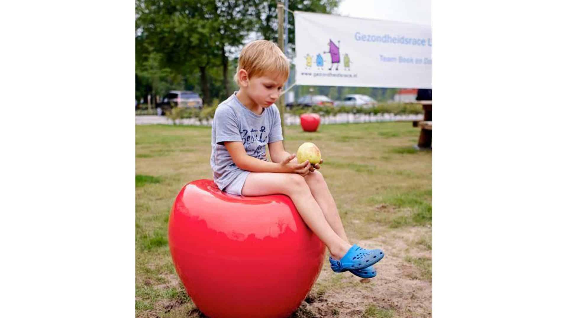 zitappel in eetbaar park gemeente Laarbeek